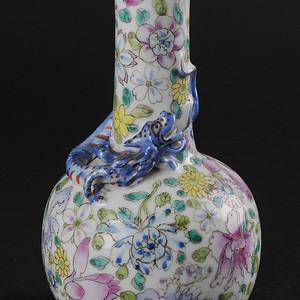 欧美回流 民国 粉彩盘螭龙花卉纹长颈瓶