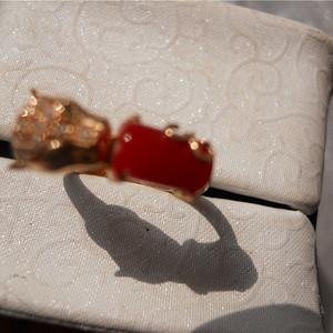 阿卡赤血红珊瑚戒指18k金镶嵌伴钻