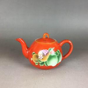 民国珊瑚红地刷花茶壶