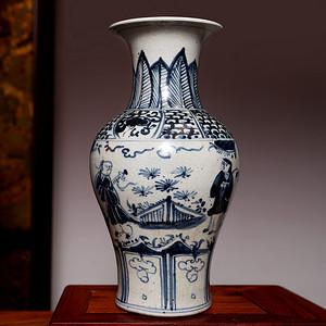 藏海淘 青花人物赏瓶 C205