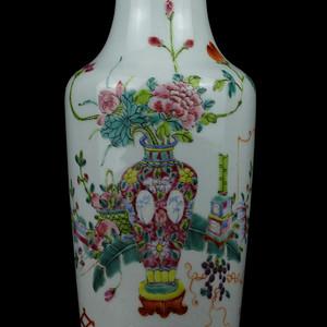 18民国粉彩博古纹敞口瓶