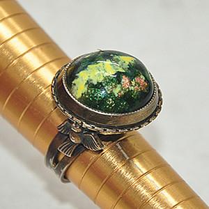 11.4克镶琉璃老戒指