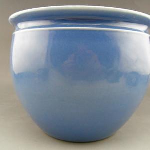109.清代 天蓝釉卷缸