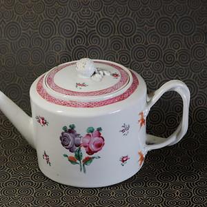 清代乾隆福寿长青洋彩白釉大茶壶