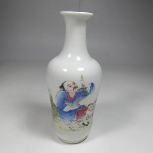 民国粉彩人物纹瓶