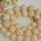 收藏级精品出口创汇早期粉珊瑚大珠雕刻项链