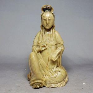 清代寿山石观音雕刻摆件