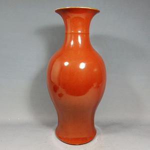 清代大号红釉观音瓶