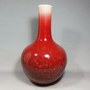 乾隆牛血红天球瓶