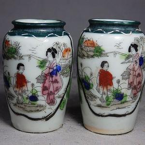 明治时期粉彩侍女人物绘画瓶一对