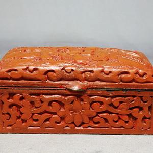 清代漆器人物雕刻盖盒