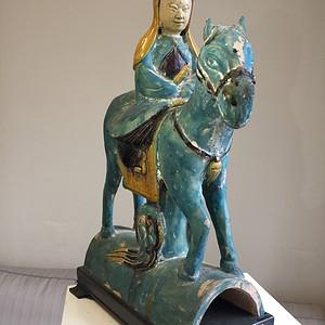 明代素三彩骑马菩萨