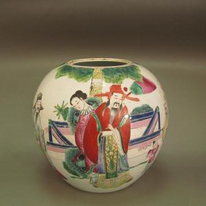 520 清中期粉彩人物纹大罐