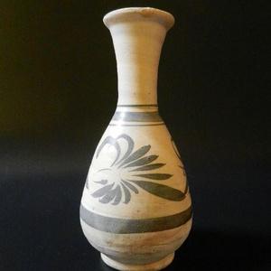 520 金元磁州窑草花纹长颈瓶