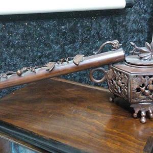 520 清代镂空花卉文房铜笔斗