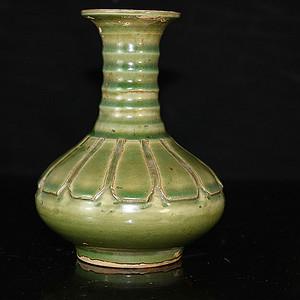 老青瓷赏瓶