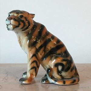 5002 瓷雕 虎
