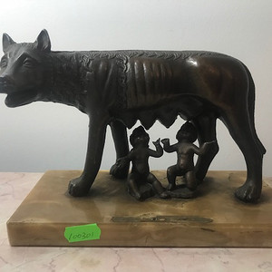 5013 欧洲铜雕罗马狼孩