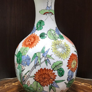 5018 粉彩花卉大瓶