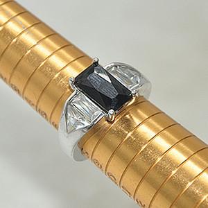 6.6克镶水晶戒指