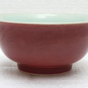 青花款珊瑚红宫碗