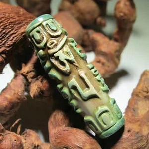 精品 开门到代 藏传 绿鸡肝石 精工雕琢 宝莲口 六字真言