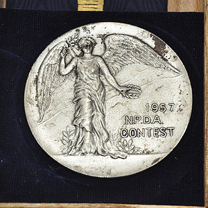 1957年日本警犬协会比赛纪念章