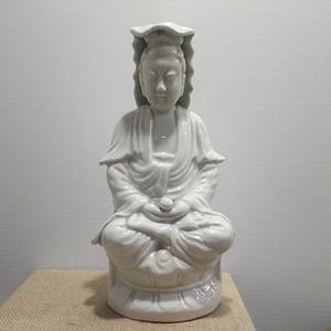 清代白釉观世音菩萨瓷像
