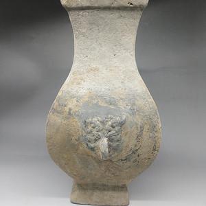 汉代铺首陶方壶
