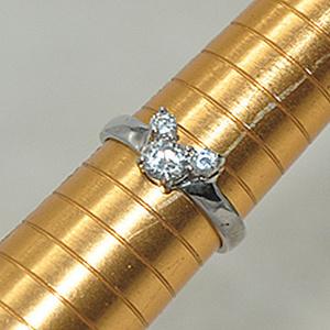 1.6克镶 水晶戒指
