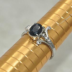 2.3克镶水晶戒指