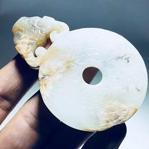 元代 和白玉籽料 兽头饕餮纹 玉佩 玉制 包浆浑厚 橘皮纹清晰 手工雕