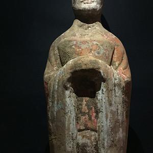 唐代彩绘文官陶俑