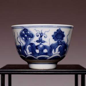 藏海淘 专家已认证 早清康熙青花纹小杯 HX13