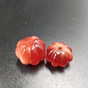 清代 老红翡瓜型配珠