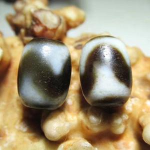 至臻至纯 藏传 爆老 HY 天珠 对 包浆老道 氧化清晰 手感熟润