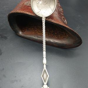 钱币银勺子