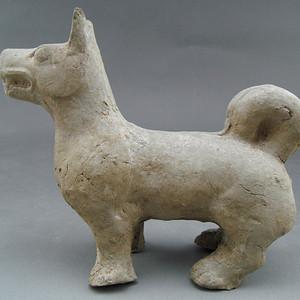 10.汉 灰陶狗