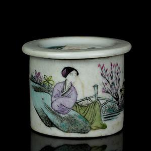 2民国粉彩仕女人物纹胭脂盖罐