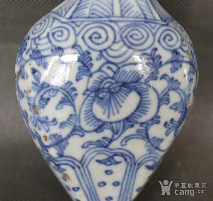 青花缠枝花壁瓶图2