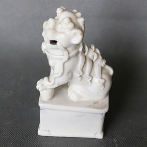 德化窑狮子