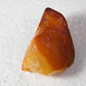 波罗的海天然老蜜蜡原石8.4克