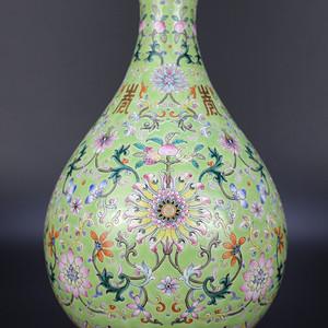 欧亚回流粉彩绿地缠枝莲纹玉壶春瓶