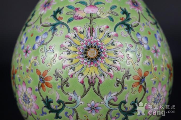 欧亚回流粉彩绿地缠枝莲纹玉壶春瓶图4