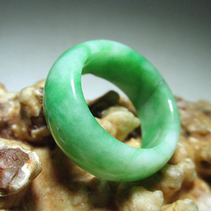 民国时期 满绿 翡翠指环