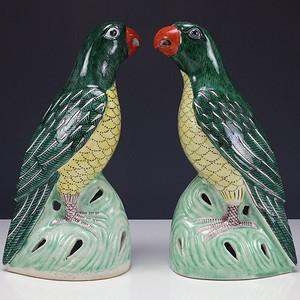 清代 绿釉 瓷塑摆件 一对