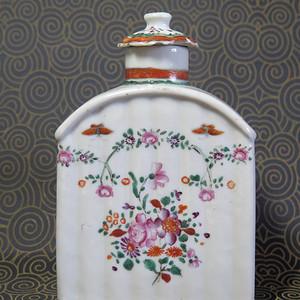 清代乾隆花卉粉彩描金茶叶罐