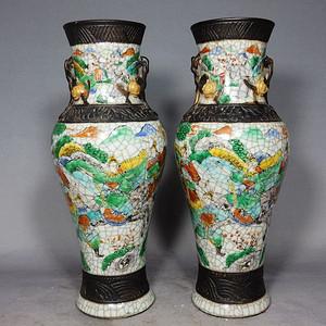 清代哥釉粉彩三国人物绘画赏瓶一对