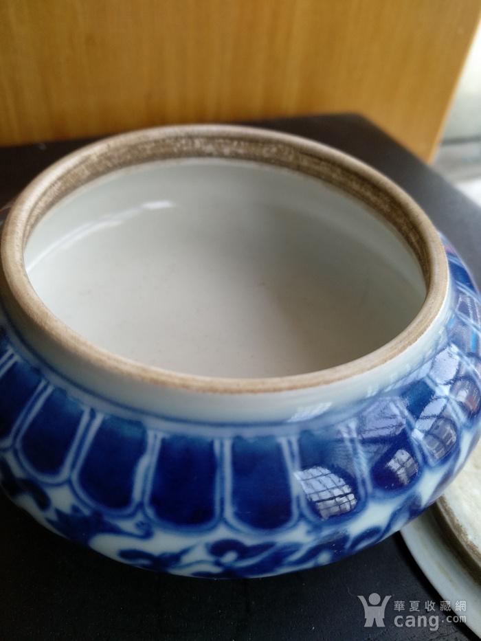 清代青花带盖水呈,高:4Cm,口径5.8Cm。精美文房佳器。图3