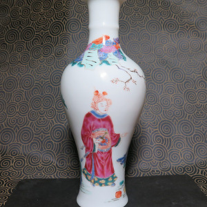 民国人物粉彩观音瓶
